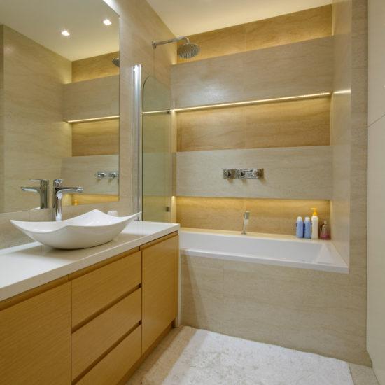 nowoczesna łazienka w beżach