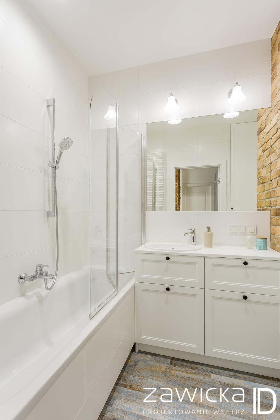 projekt łazienki w stylu hampton